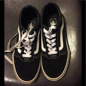 Converse Sneakers Sz 3 (youth)